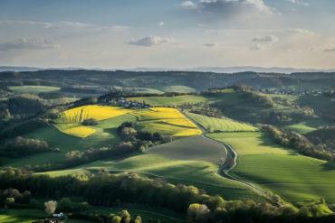 Ausblick auf das grüne Wiedtal