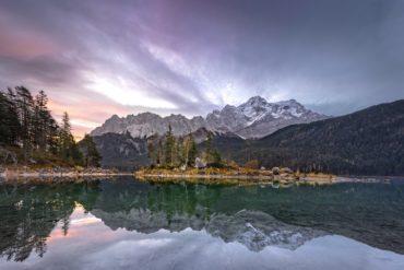 Ein Besuch des Eibsees ist eins der schönsten Erlebnisse in Deutschland