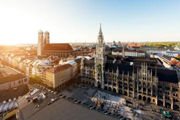 Blick auf den Münchner Marienplatz von oben