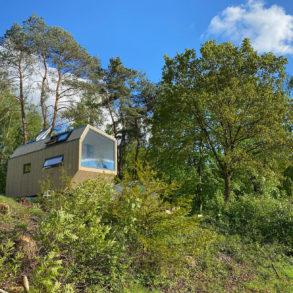 Green Tiny House mitten im Wald mit bester Aussicht