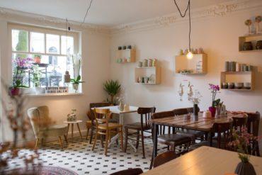 Interior to buy in the coffee bar Salon Wechsel Dich in hamburg