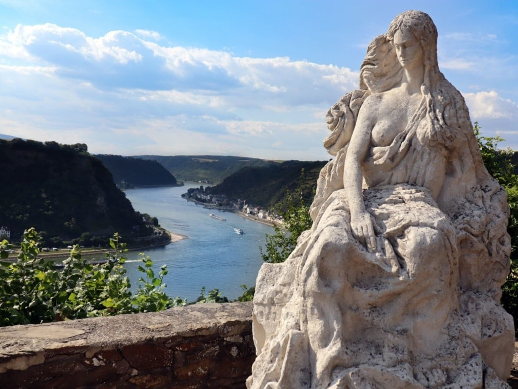 Statue der Loreley, der Legende am Rhein