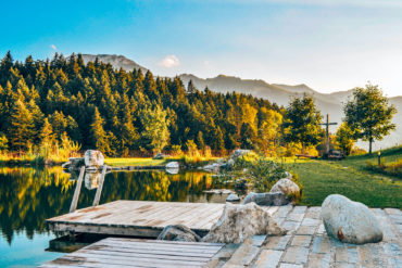 Seenlandschaft im bayrischen Inntal bei Oberaudorf