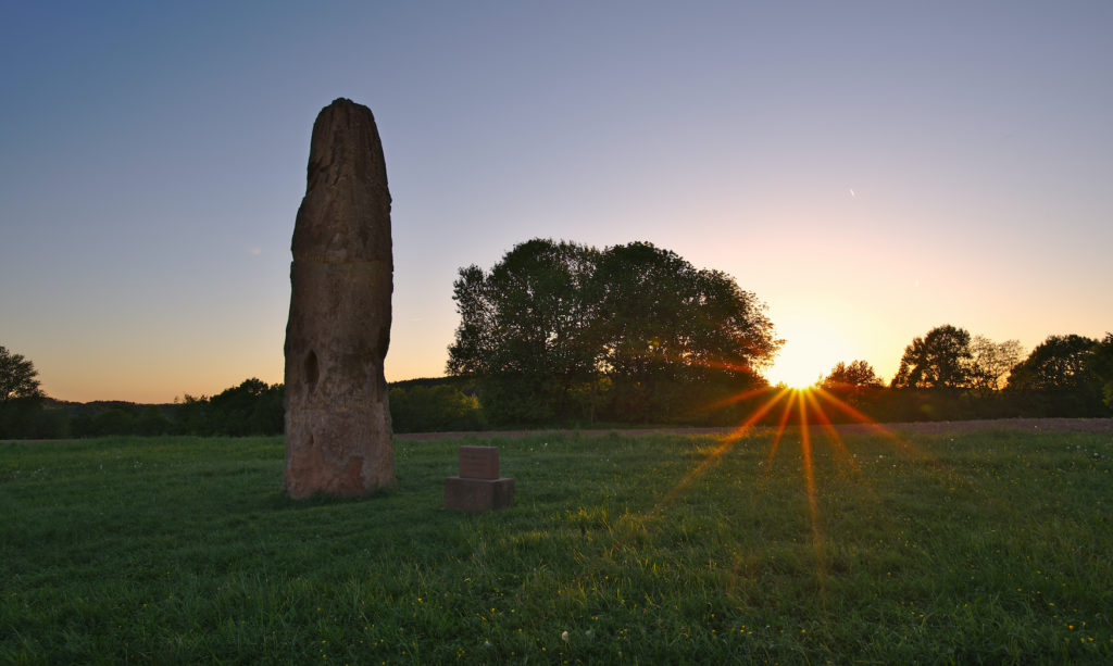 Gollenstein während Sonnenuntergangs im Saarland