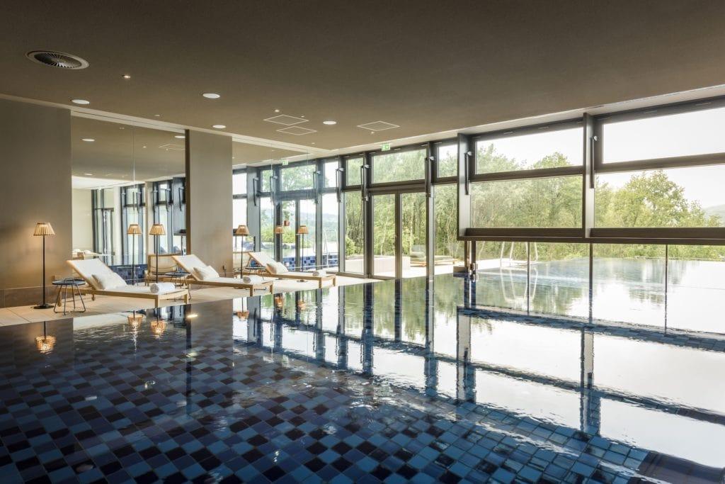 Infinity Pool im Spa-Bereich der Seezeitlodge