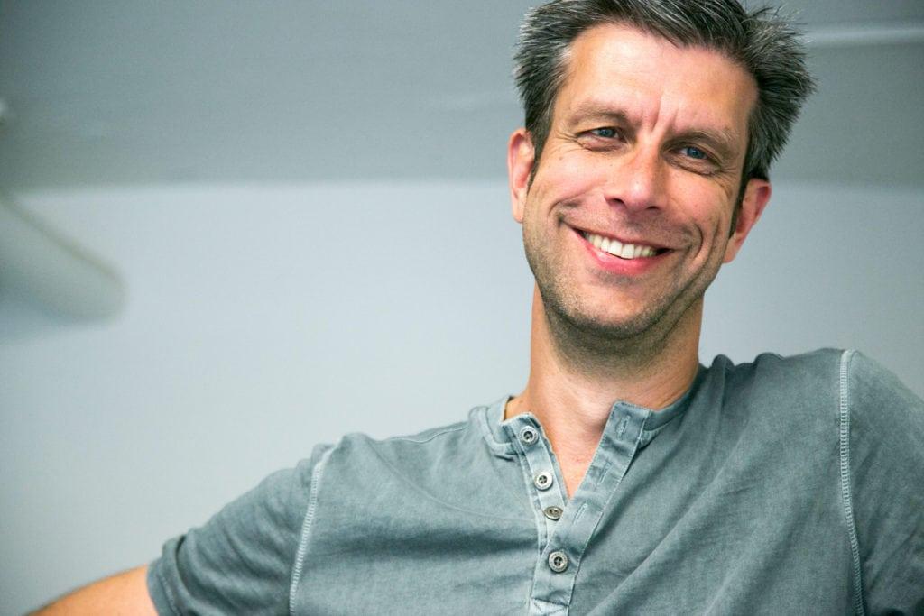 Werner Mason, Inhaber des Ladens Blickwerbe in der Kölner Südstadt und Gründer der Online-Plattform Veedelshopping