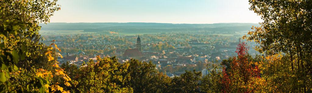 Herbstliches Panorama auf Amberg in Ostbayern