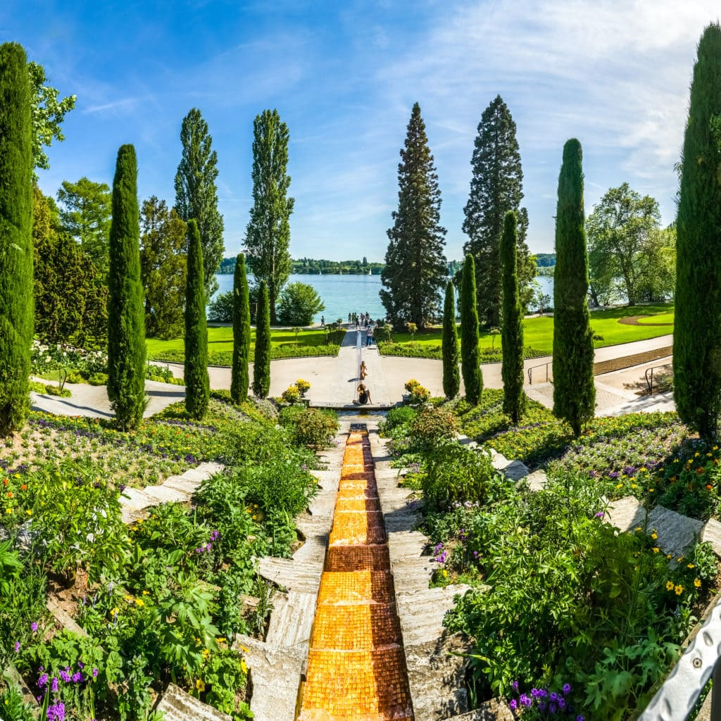 Blumeninsel Mainau mit den schönsten Gärten Deutschlands