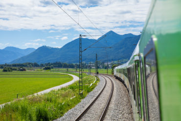The night train brings you comfortably from Sylt to the Alps