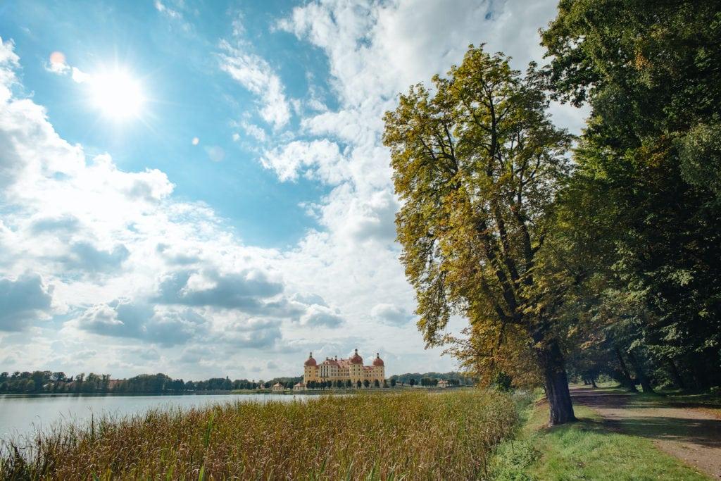 Schloss Moritzburg an einem sonnigen Tag