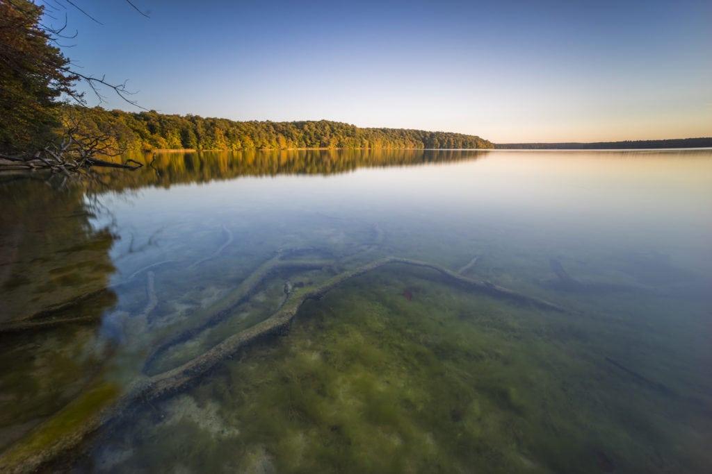 Der Stechlinsee ist der größte Klarwassersee Deutschlands. Wie wäre es mit einer Sternradtour in der Region?