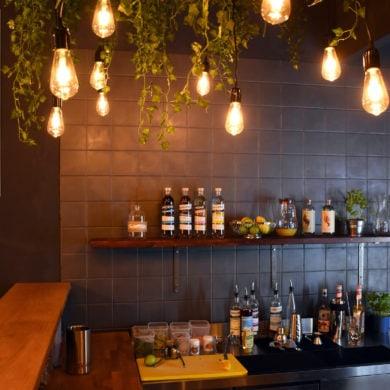 Blick auf die Bar im Zeroliq Berlin