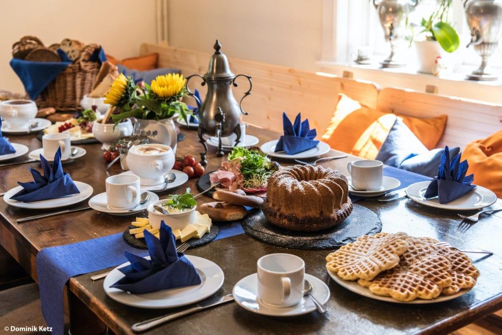 Gedeckter Tisch in der Neumühle im Bergischen Land