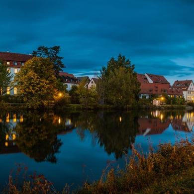 Rottenburg, eine Kleinstadt in Baden-Württemberg, am Abend