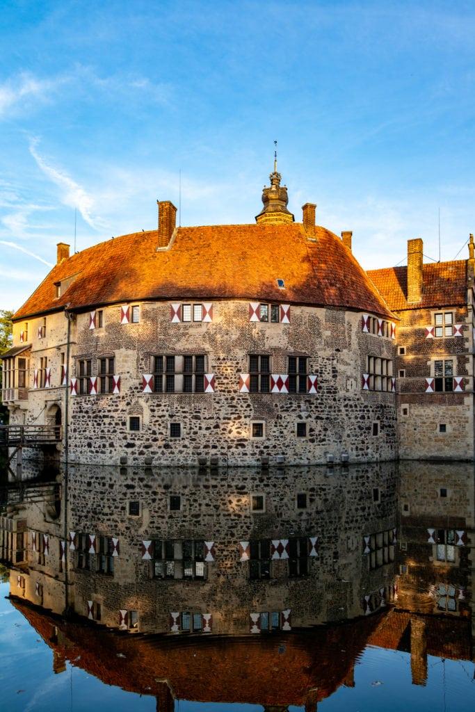 Burg Lüdingshausen, Fischerin Wasserburg