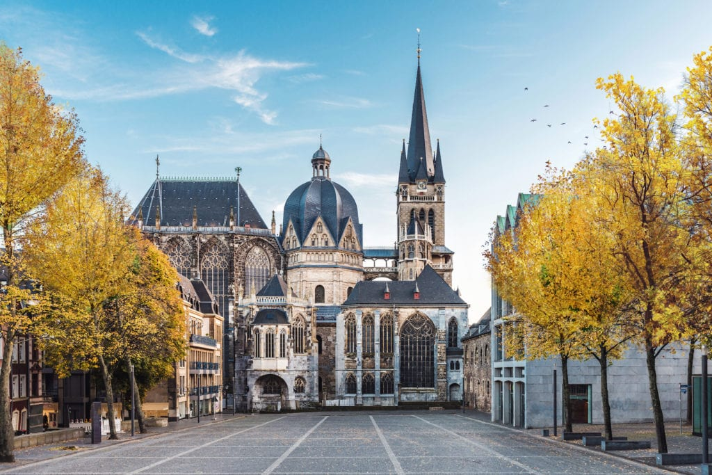 Aachener Dom an sonnigem Tag