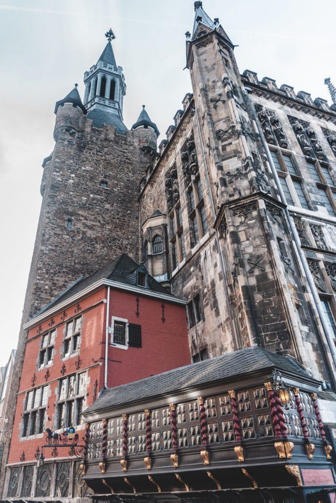 Lokal Postwagen am Rathaus in Aachen