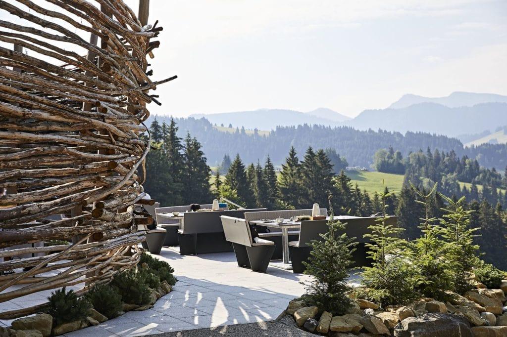 Blick auf das Allgäu Panorama vom Schwalbennest im Haubers Naturresort