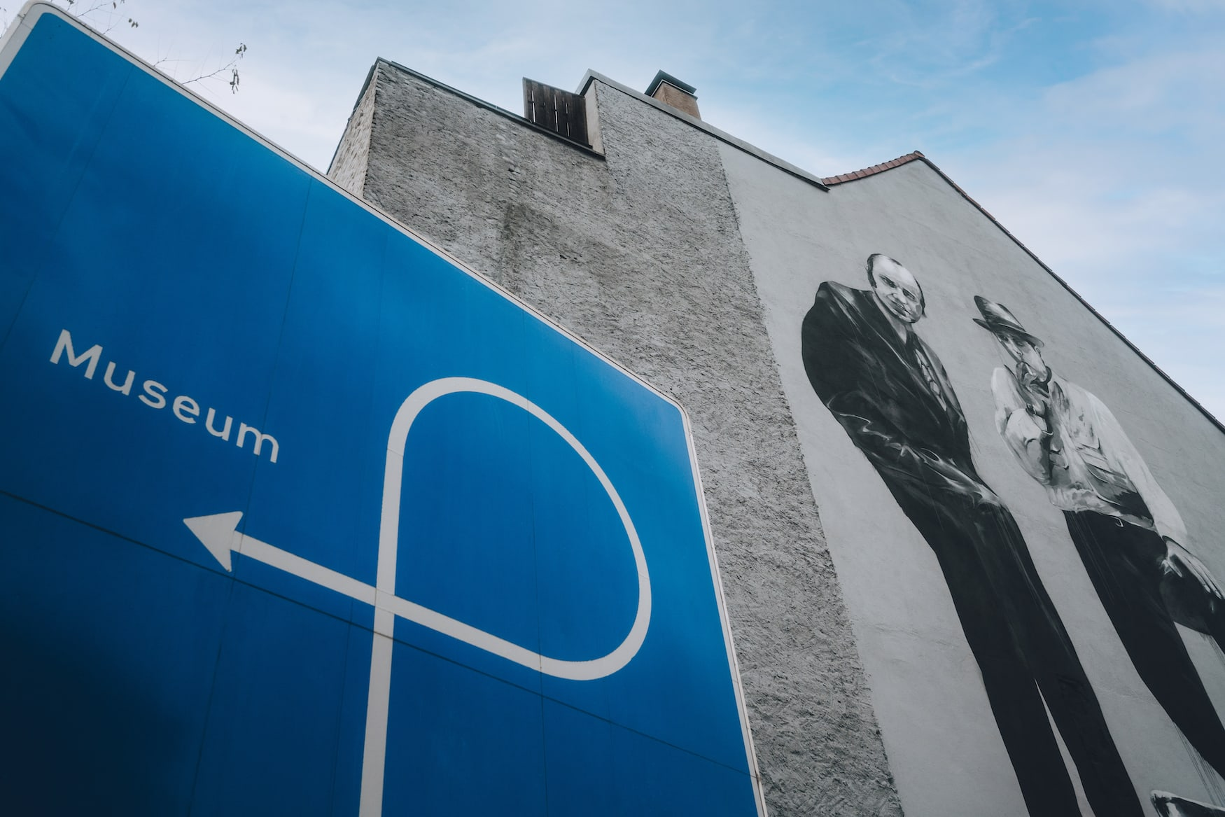 Graffiti mit Joseph Beuys als Motiv am Johann-Peter-Boelling-Platz