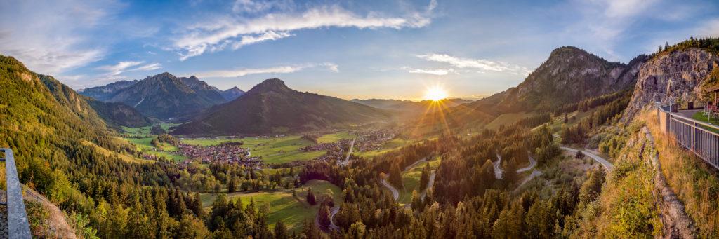 Fernwanderwege in Deutschland: Besonders schön ist ein Sonnenaufgang bei Bad Hindelang im Allgäu