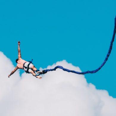 Eine Portion Adrenalin gefällig? Bungee Jumping ist ein tolles Erlebnis in Deutschland