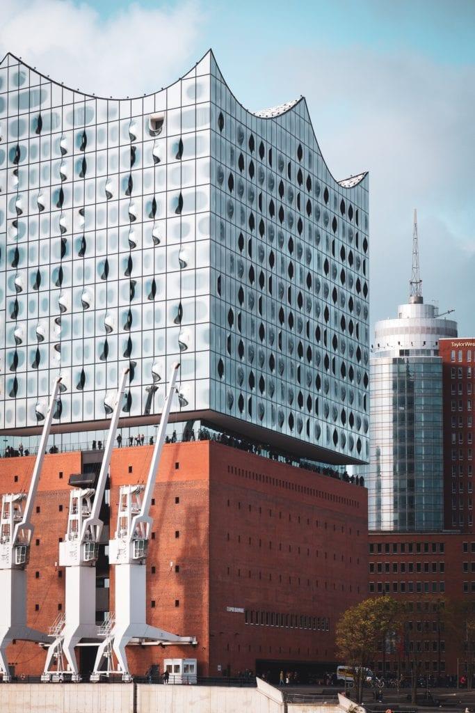 Detail-Aufnahme der Elbphilharmonie in Hamburg