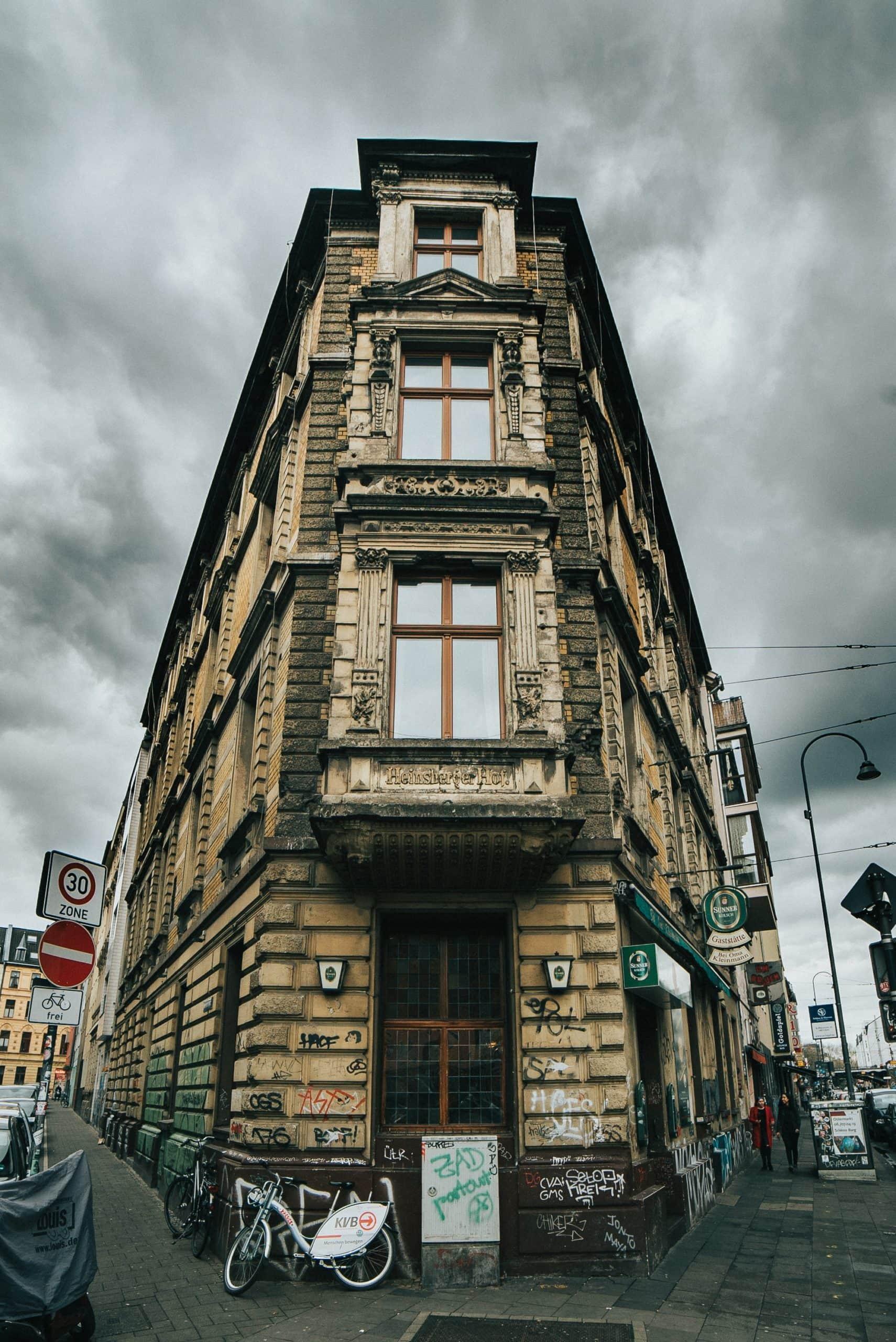 Eck-Kneipe auf der Zülpicher Straße in Köln