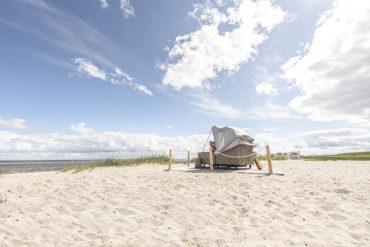 Glamping an der Nordsee: Schlafstrandkorb in Hooksiel
