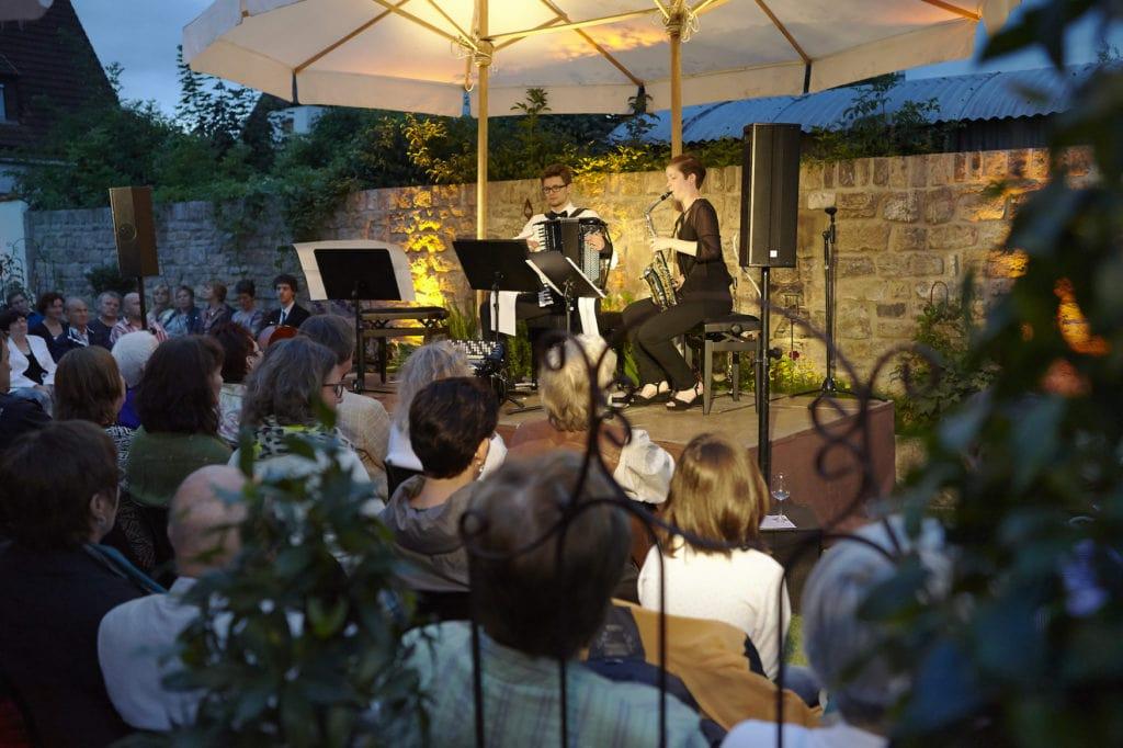 Musikerinnen bei einem Konzert in Karlstadt