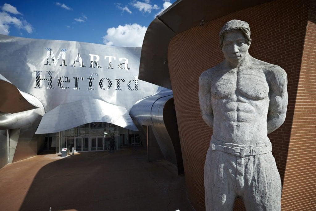 Skulpturen vor dem Museum Marta Herford