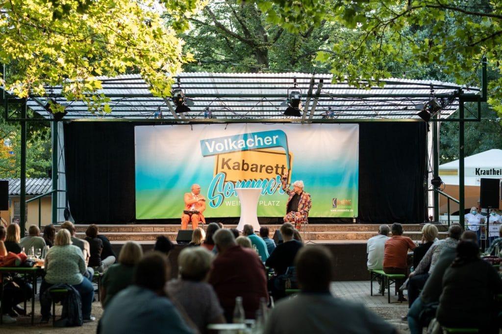 Fränkisches Weinland: Volkschor Kabarett Sommer