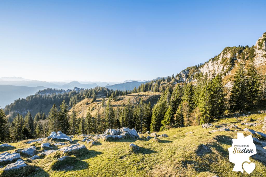 Indian Summer an den Bergen der Kampenwand der Region Alpenland-Chiemsee