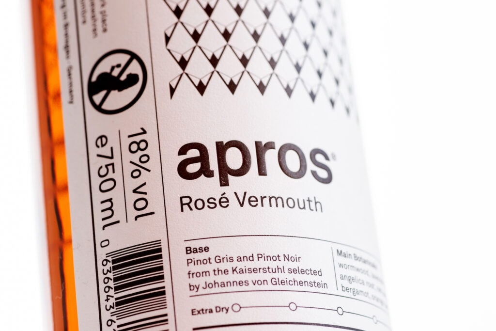 apros Vermouth Flasche aus dem Schwarzwald