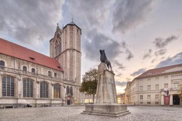 Leerer Burgplatz in Braunschweig